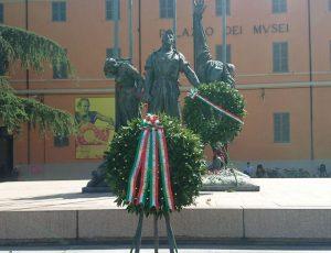 Lelka und Mania bei den 72. Feierlichkeiten des italienischen Tags der Befreiung